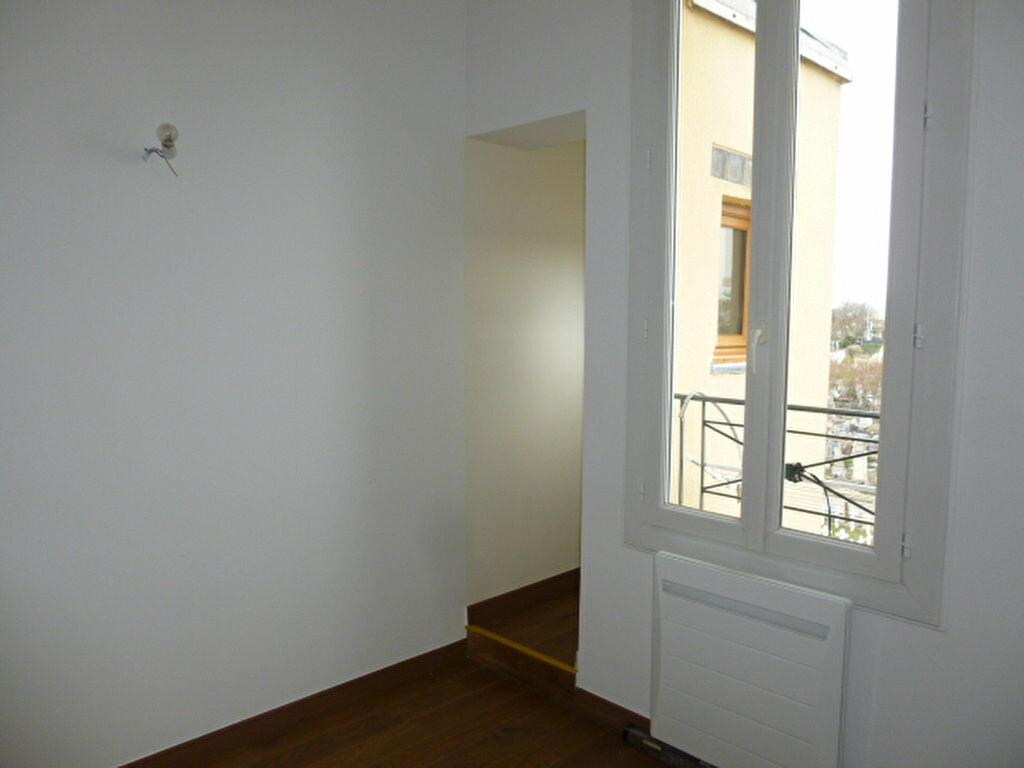 Appartement à louer 2 22.57m2 à Issy-les-Moulineaux vignette-4