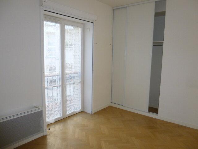 Appartement à louer 4 80.07m2 à Issy-les-Moulineaux vignette-7