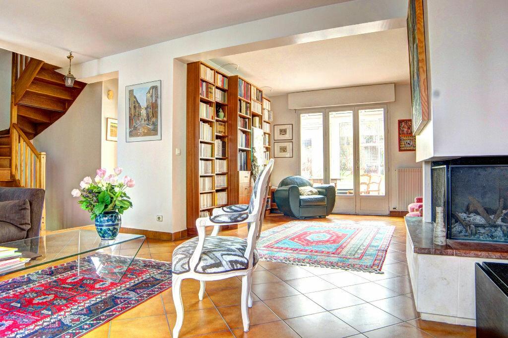 Maison à vendre 6 109m2 à Vanves vignette-2