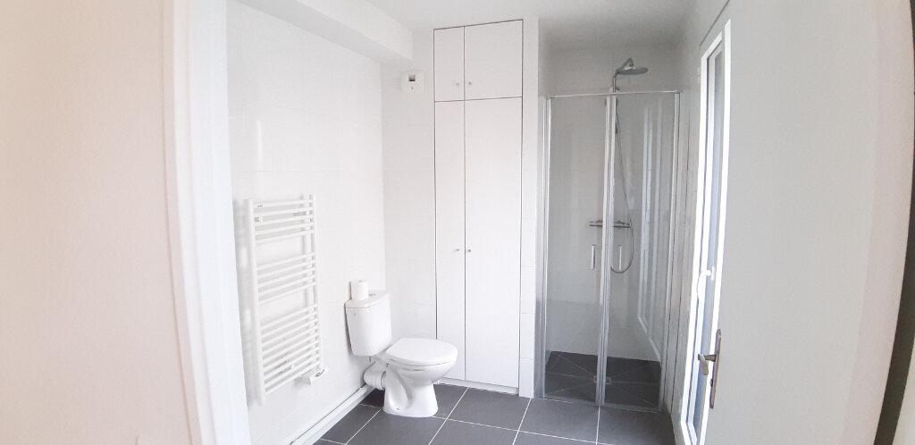 Appartement à louer 2 50.4m2 à Issy-les-Moulineaux vignette-4