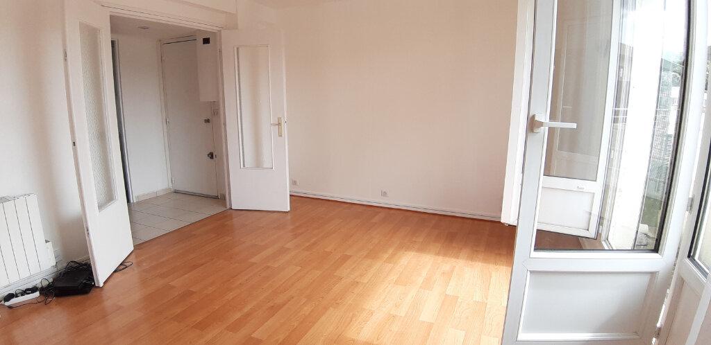 Appartement à louer 3 50.91m2 à Issy-les-Moulineaux vignette-1