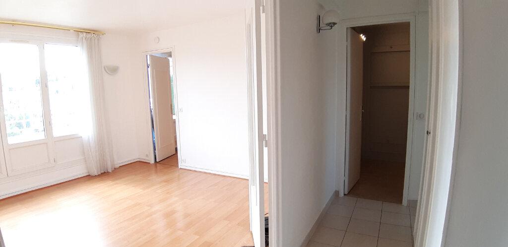 Appartement à louer 3 50.91m2 à Issy-les-Moulineaux vignette-2