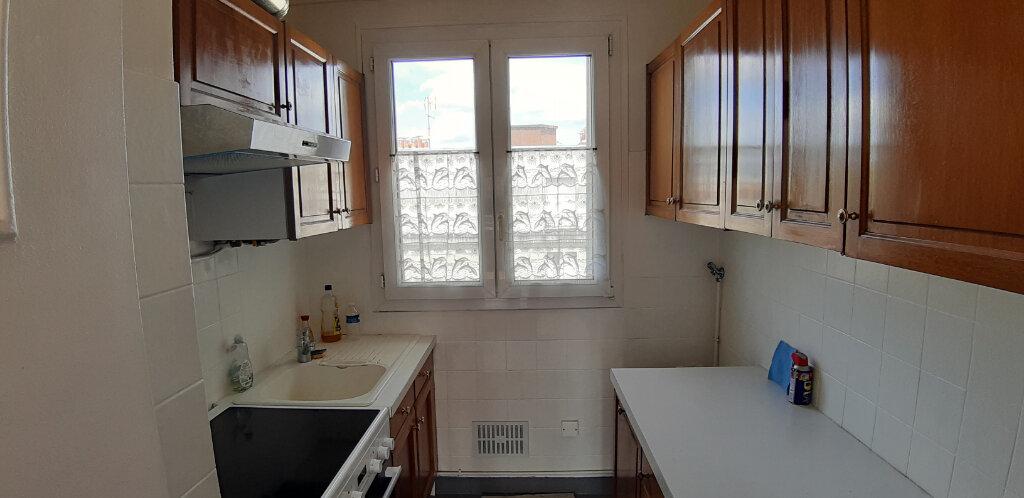 Appartement à louer 3 50.91m2 à Issy-les-Moulineaux vignette-7