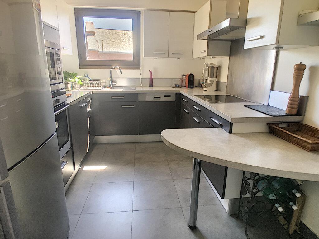 Appartement à vendre 4 96.82m2 à Châtillon vignette-1
