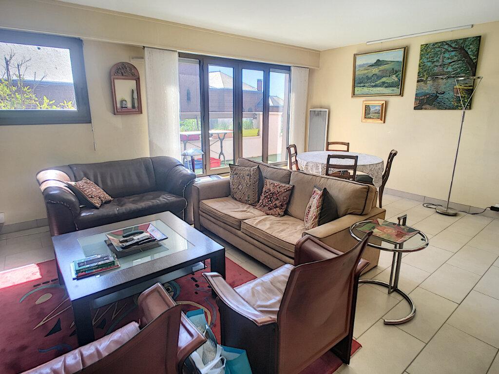 Appartement à vendre 4 96.82m2 à Châtillon vignette-2