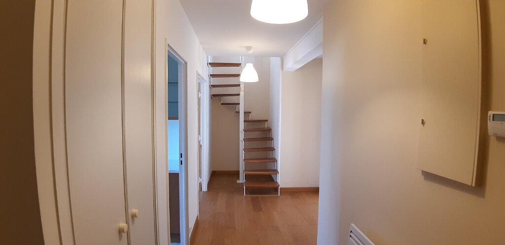 Appartement à louer 5 147.98m2 à Issy-les-Moulineaux vignette-4