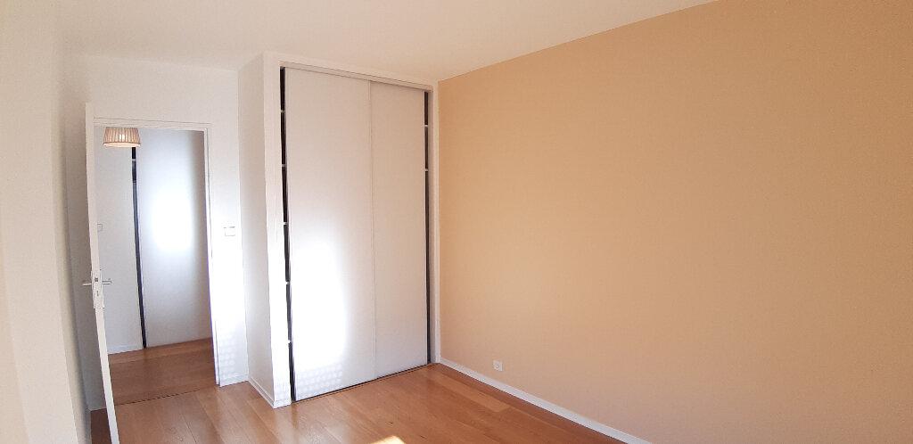 Appartement à louer 5 147.98m2 à Issy-les-Moulineaux vignette-11