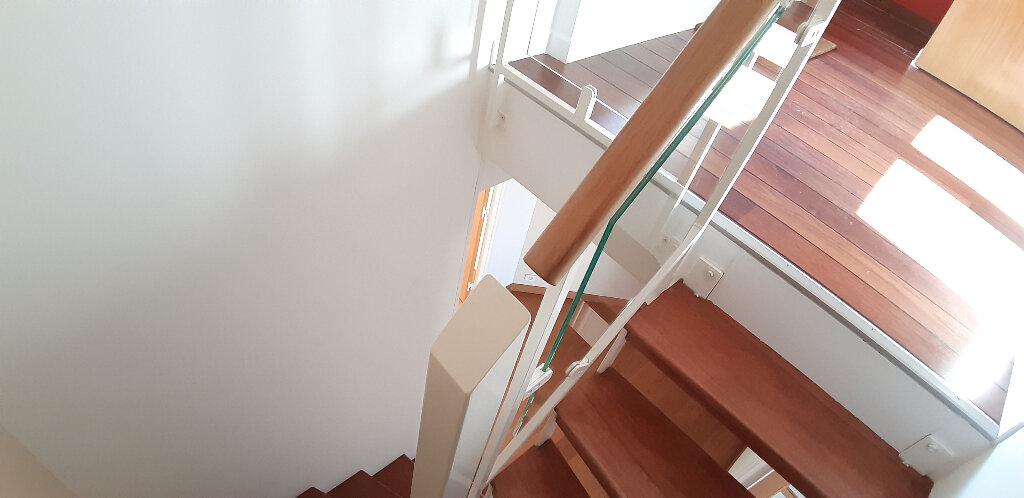 Appartement à louer 5 147.98m2 à Issy-les-Moulineaux vignette-15