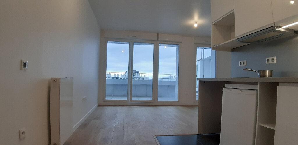 Appartement à louer 1 28.8m2 à Issy-les-Moulineaux vignette-3