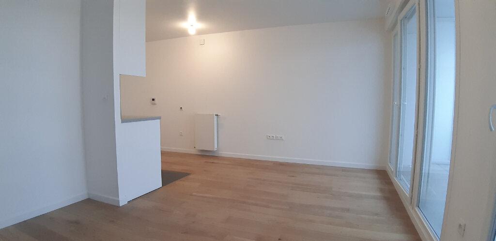 Appartement à louer 1 28.8m2 à Issy-les-Moulineaux vignette-4