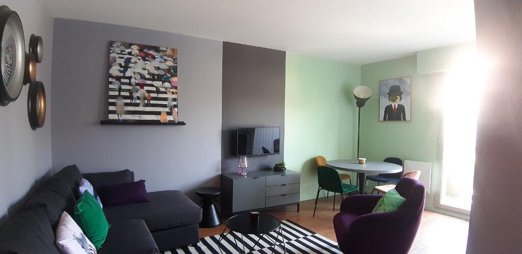 Appartement à louer 2 44.01m2 à Issy-les-Moulineaux vignette-1