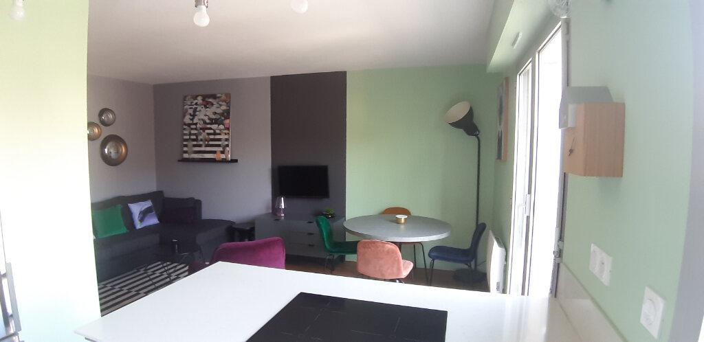 Appartement à louer 2 44.01m2 à Issy-les-Moulineaux vignette-3