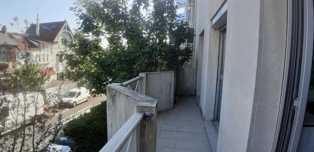 Appartement à louer 2 44.01m2 à Issy-les-Moulineaux vignette-8