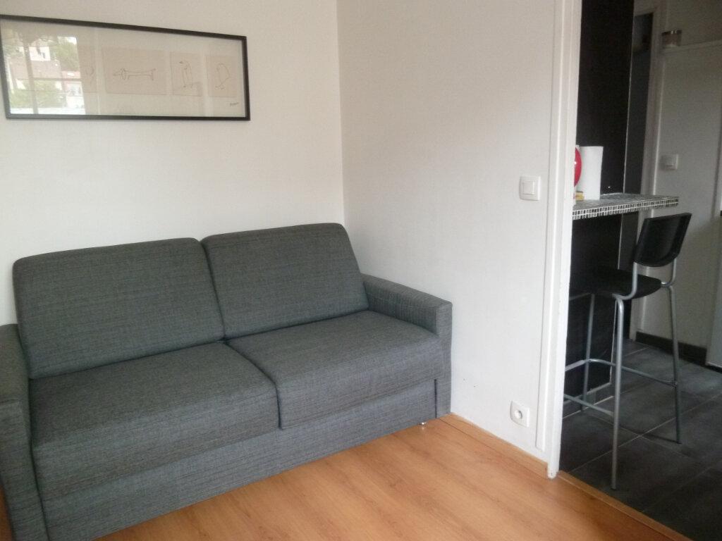 Appartement à louer 1 17.6m2 à Issy-les-Moulineaux vignette-1