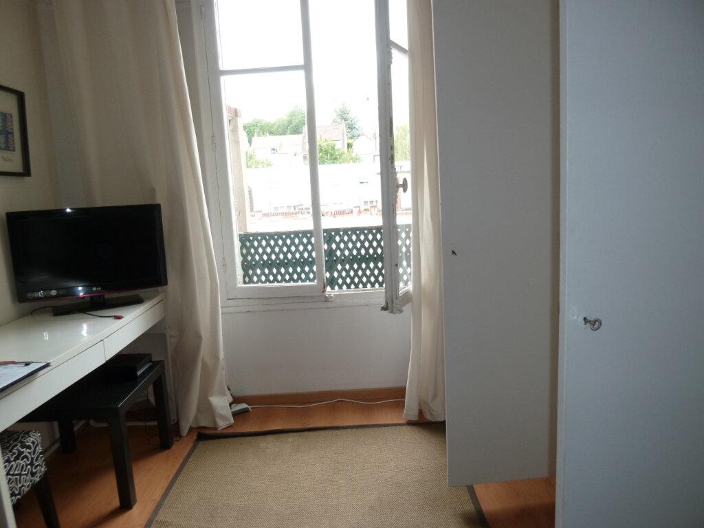 Appartement à louer 1 17.6m2 à Issy-les-Moulineaux vignette-2