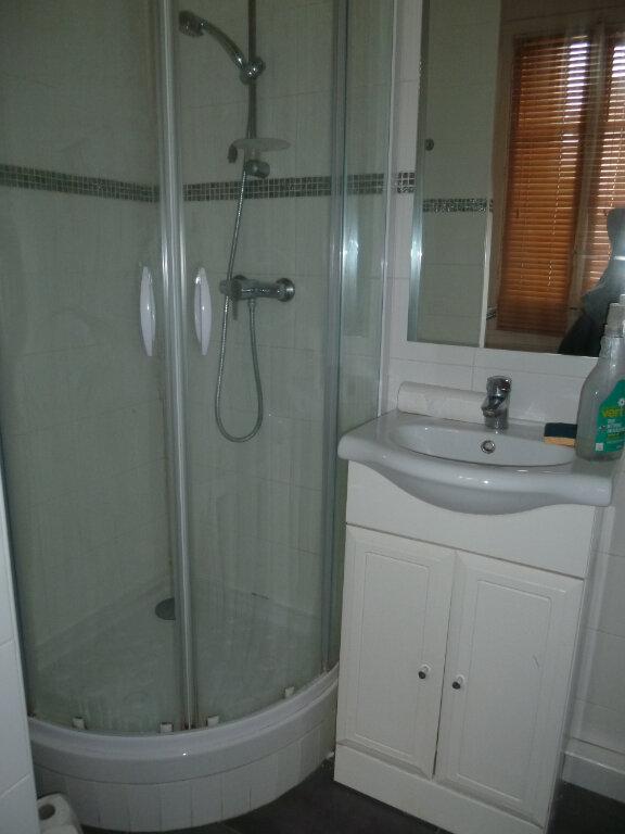Appartement à louer 1 17.6m2 à Issy-les-Moulineaux vignette-5