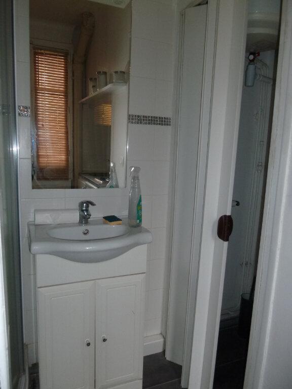 Appartement à louer 1 17.6m2 à Issy-les-Moulineaux vignette-6