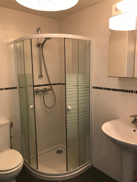 Appartement à louer 3 44.6m2 à Châtillon vignette-3