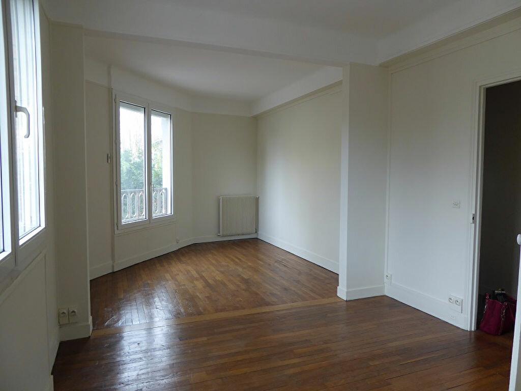 Appartement à louer 3 60m2 à Châtillon vignette-1