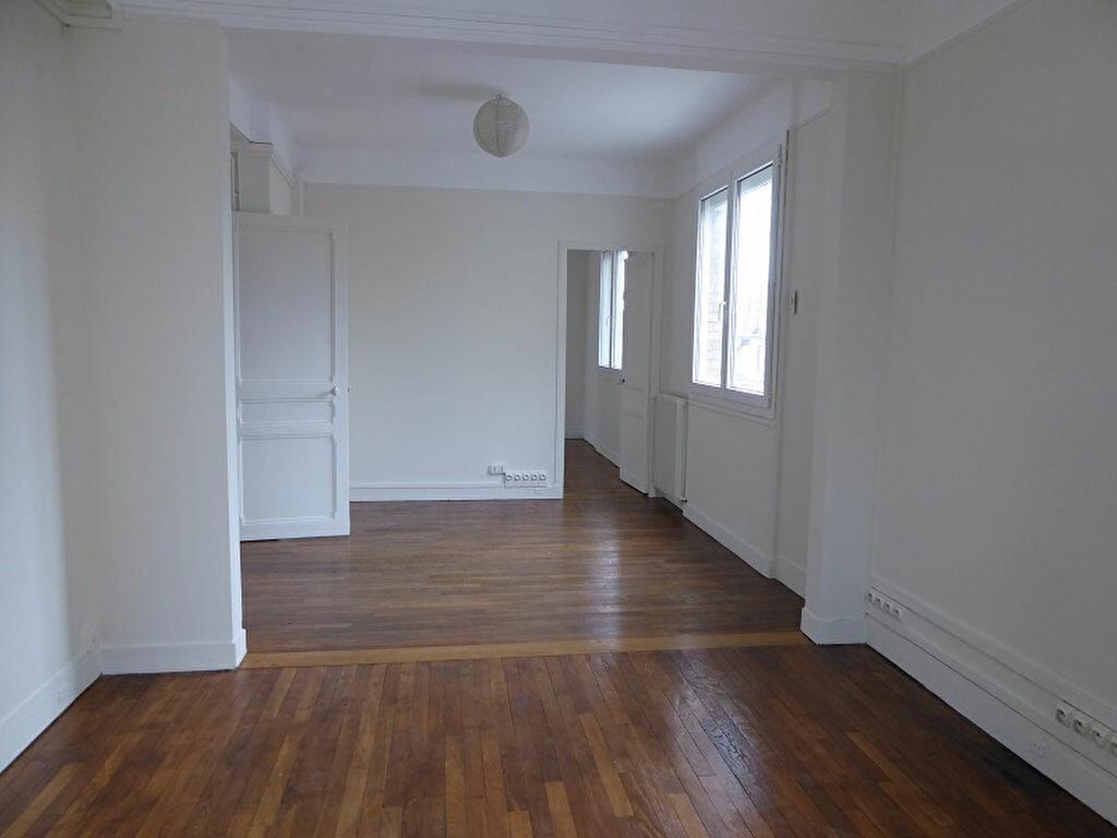 Appartement à louer 3 60m2 à Châtillon vignette-2