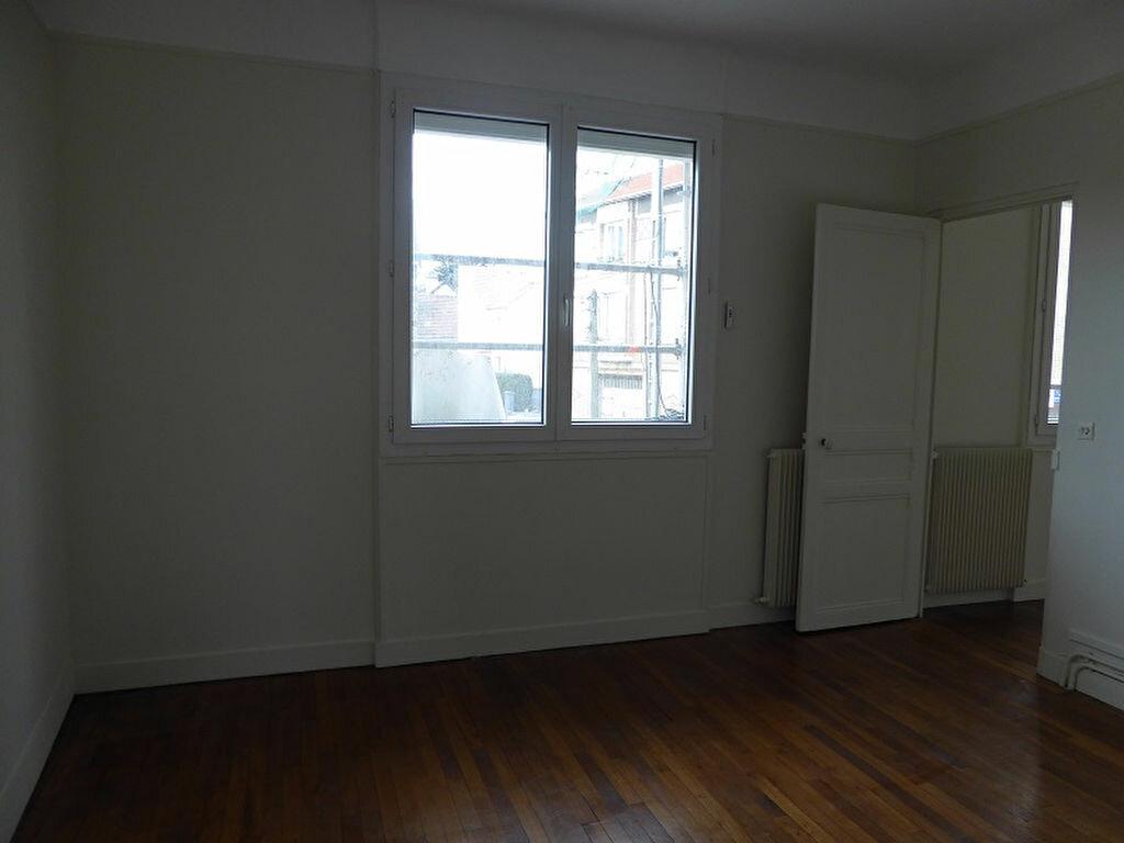 Appartement à louer 3 60m2 à Châtillon vignette-4