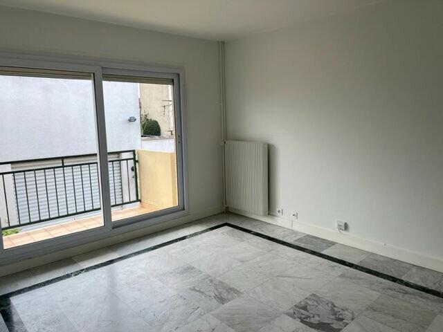 Appartement à louer 3 68m2 à Châtillon vignette-3