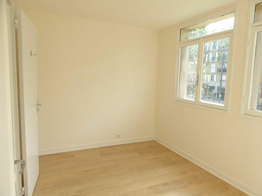 Appartement à louer 2 33m2 à Châtillon vignette-3