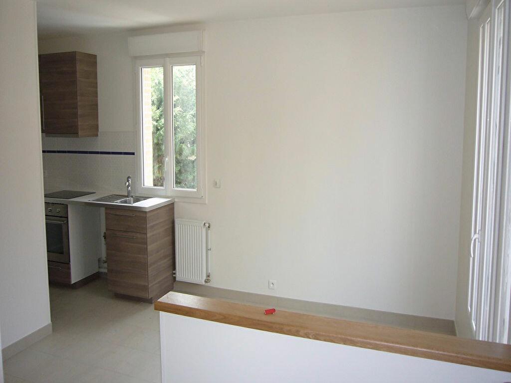Appartement à louer 3 44.6m2 à Châtillon vignette-1