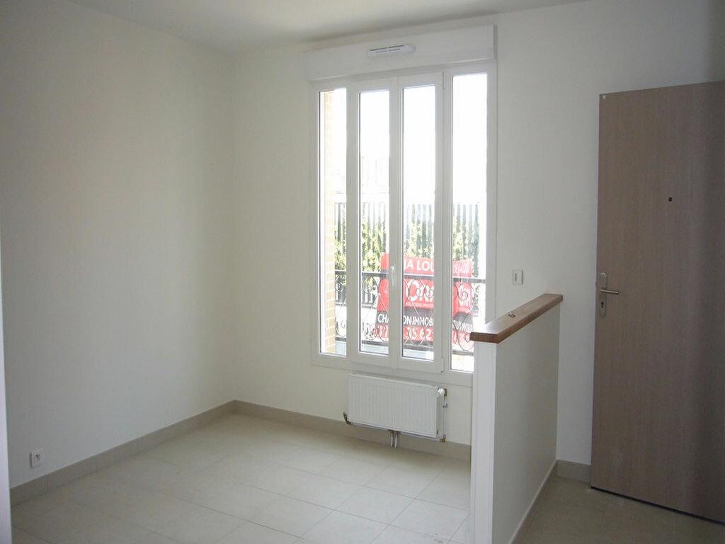 Appartement à louer 3 44.6m2 à Châtillon vignette-2