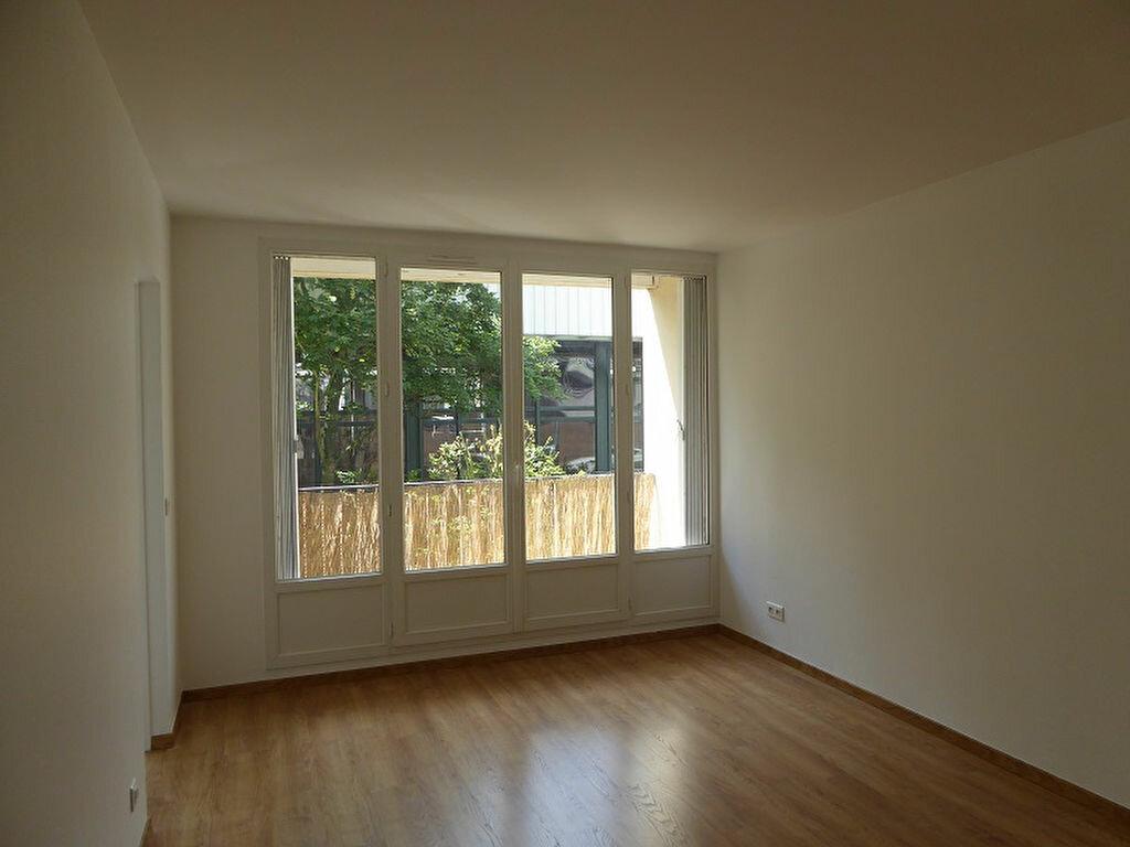 Appartement à louer 3 54.4m2 à Le Plessis-Robinson vignette-2