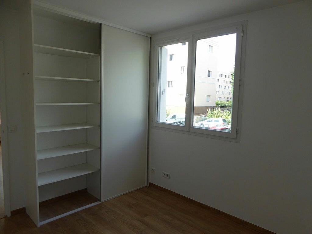 Appartement à louer 3 54.4m2 à Le Plessis-Robinson vignette-3