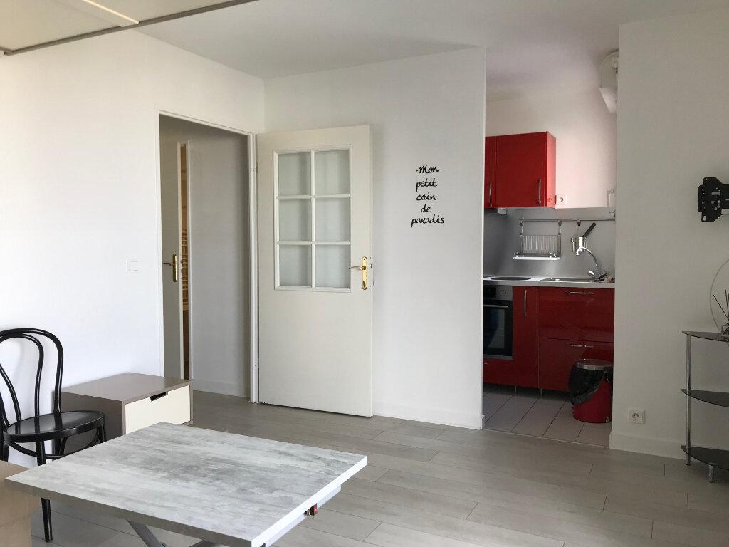 Appartement à louer 1 27m2 à Châtillon vignette-1