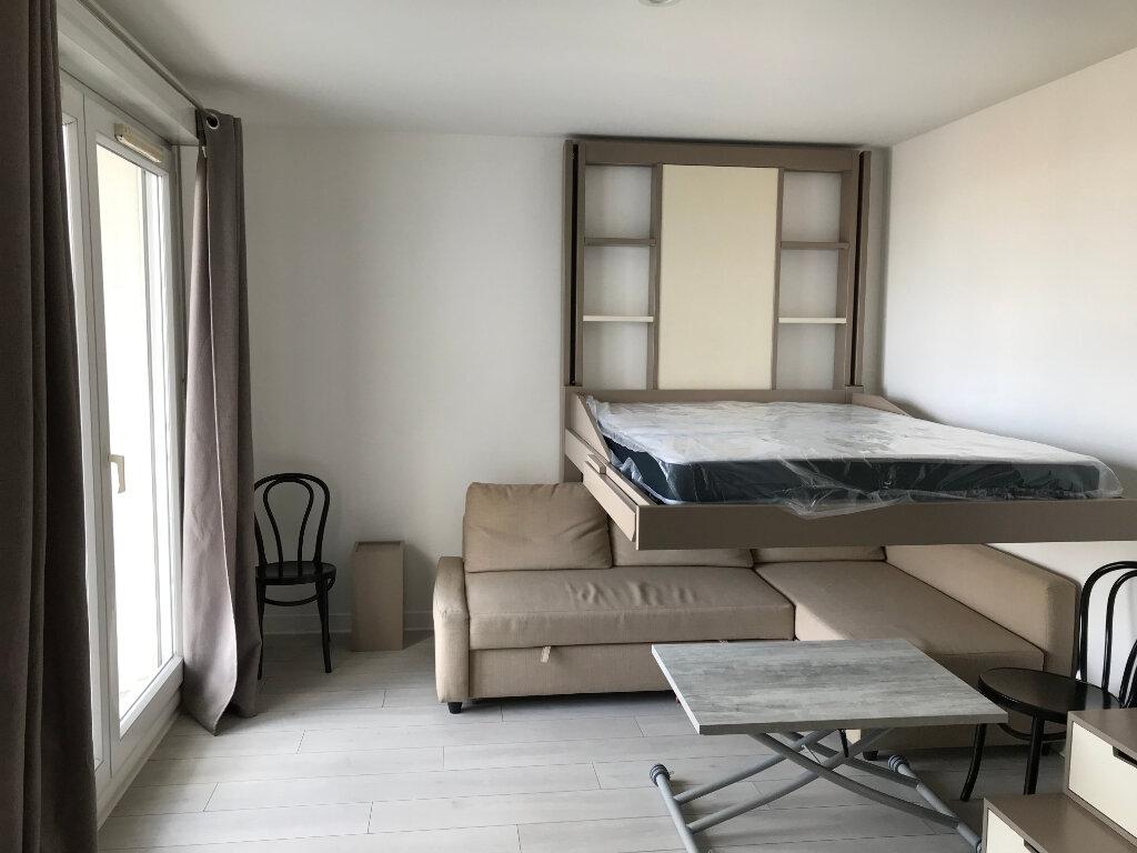 Appartement à louer 1 27m2 à Châtillon vignette-6
