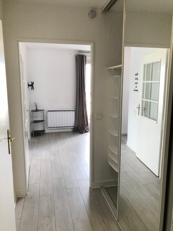 Appartement à louer 1 27m2 à Châtillon vignette-9