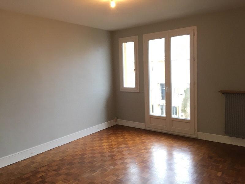 Appartement à louer 3 55m2 à Clamart vignette-1