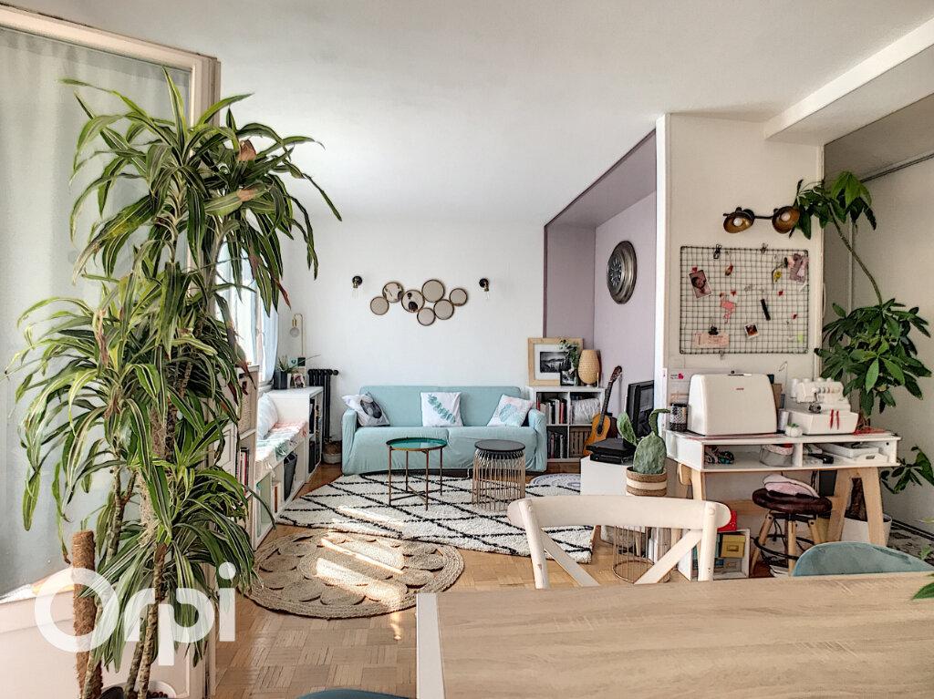 Appartement à vendre 4 67.66m2 à Châtillon vignette-2