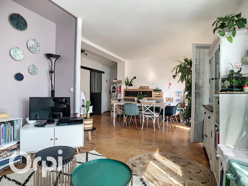 Appartement à vendre 4 67.66m2 à Châtillon vignette-3