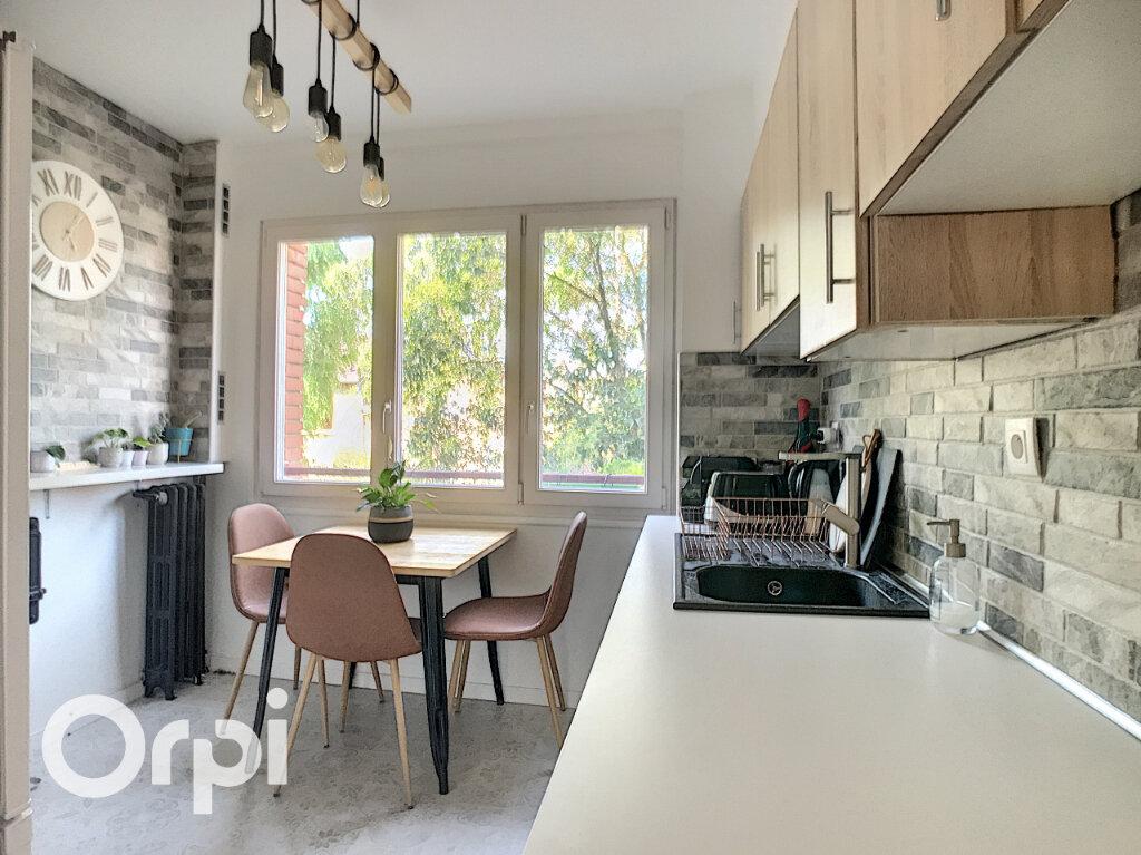 Appartement à vendre 4 67.66m2 à Châtillon vignette-5