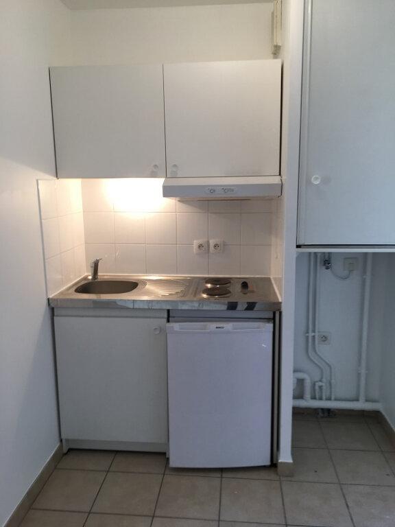 Appartement à louer 1 24m2 à Châtillon vignette-4
