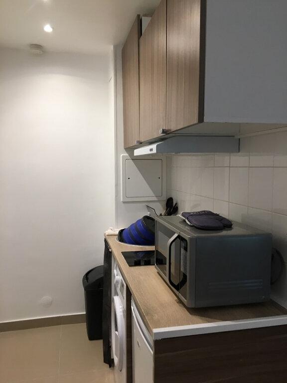 Appartement à louer 1 17m2 à Le Plessis-Robinson vignette-7