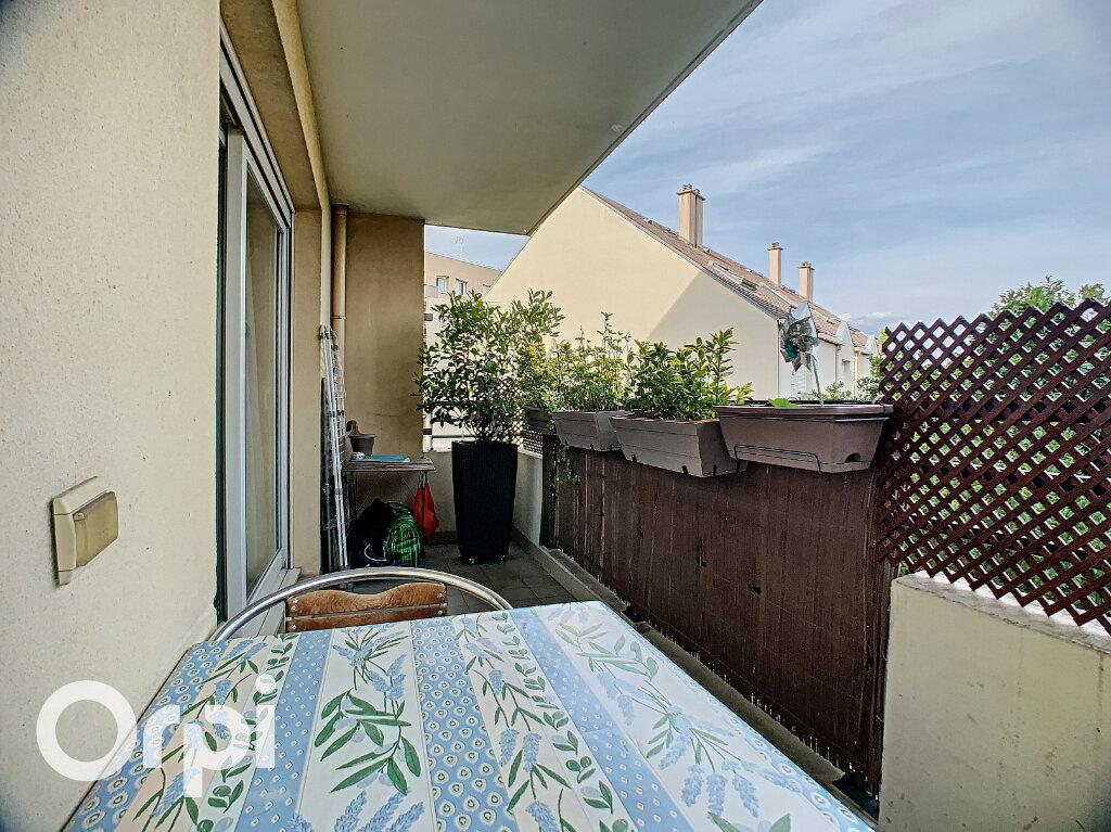 Appartement à vendre 3 63.35m2 à Châtillon vignette-2