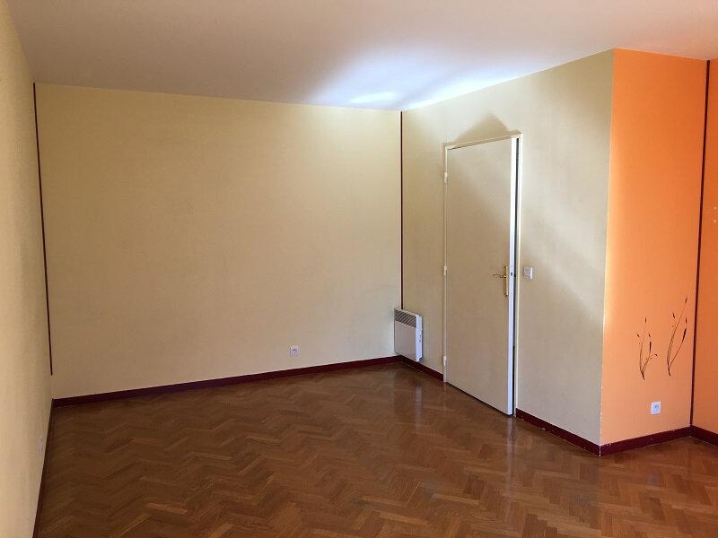 Appartement à louer 2 49m2 à Châtillon vignette-4