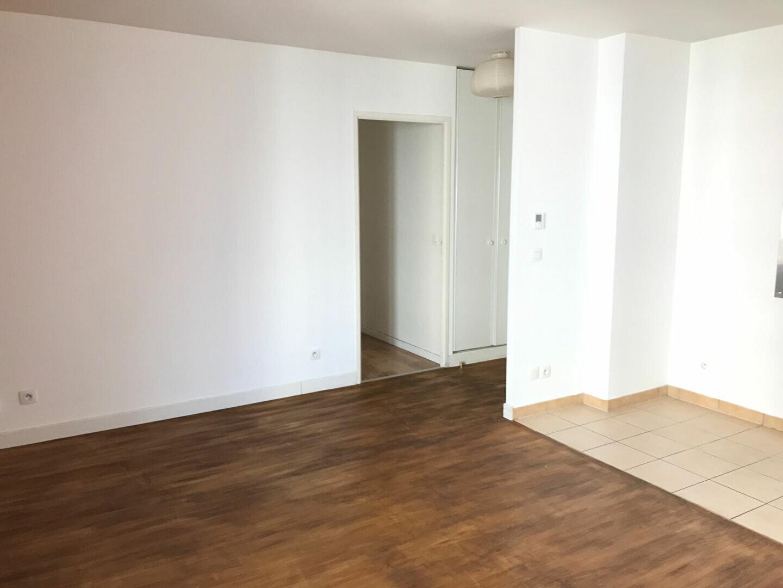 Appartement à louer 3 53m2 à Châtillon vignette-3