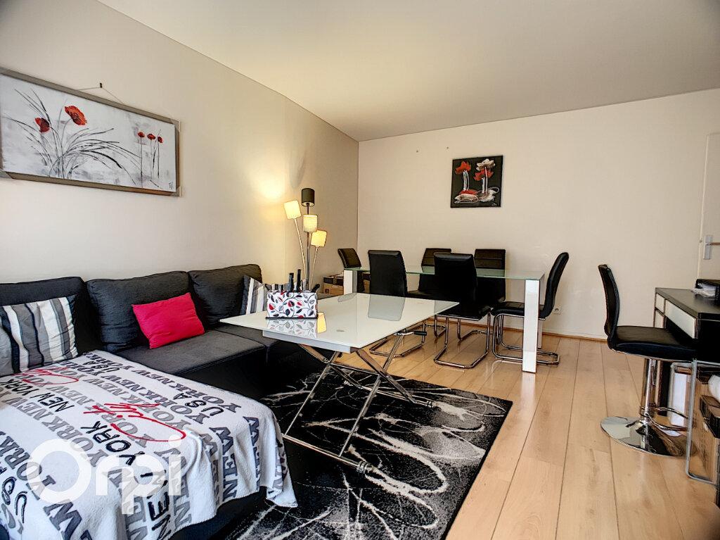 Appartement à vendre 3 68m2 à Châtillon vignette-2