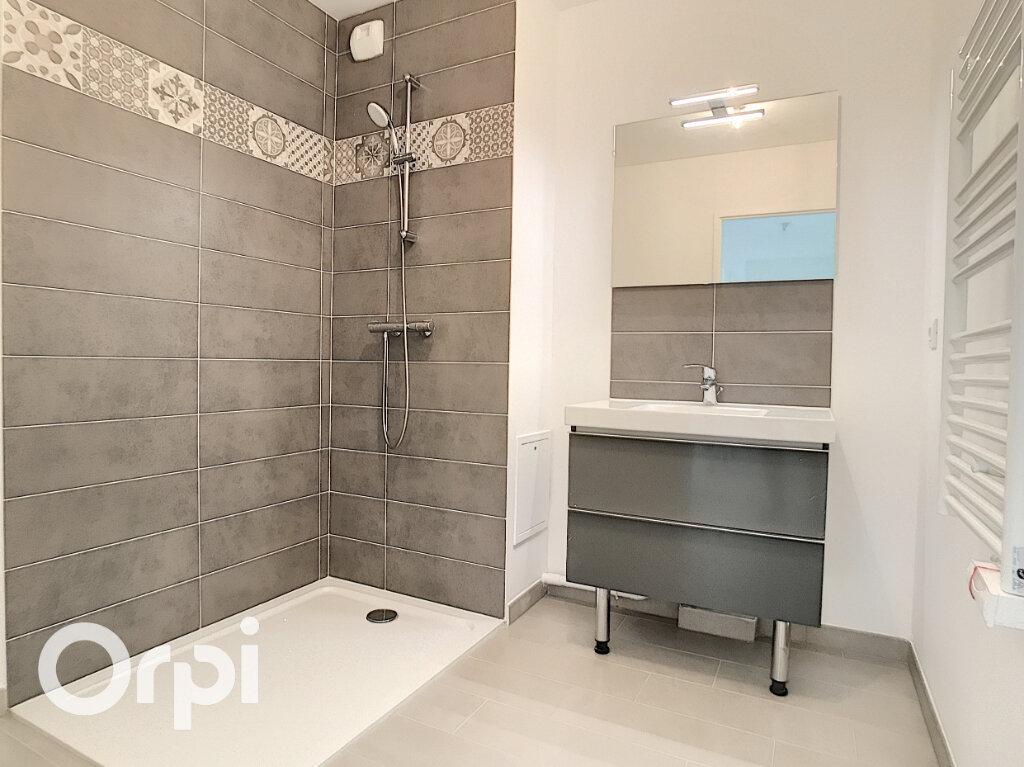 Appartement à vendre 3 65.4m2 à Châtillon vignette-2