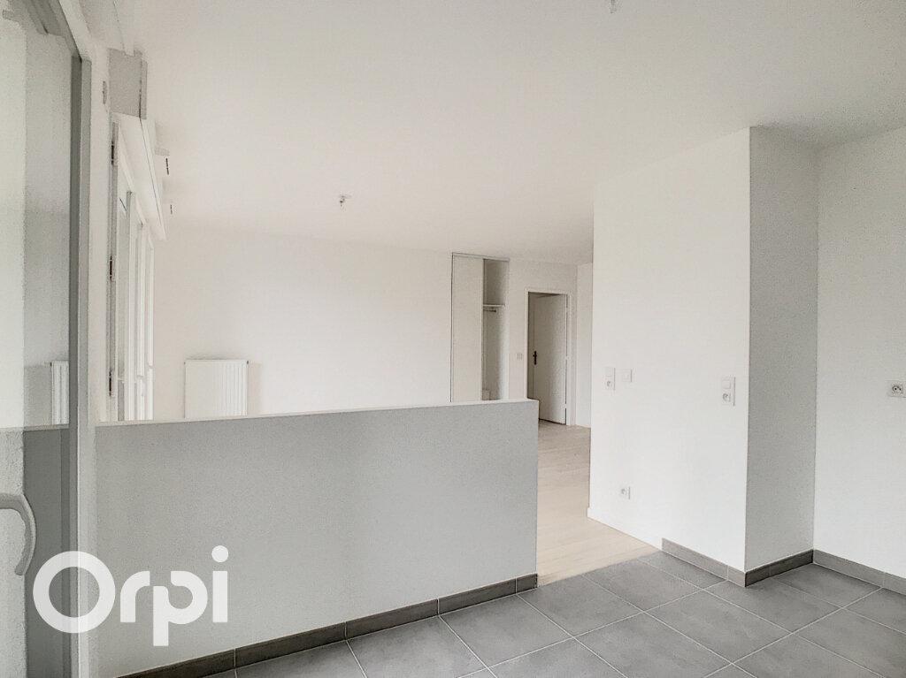 Appartement à vendre 3 65.4m2 à Châtillon vignette-4