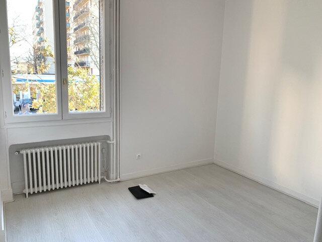 Appartement à louer 3 67.02m2 à Châtillon vignette-8