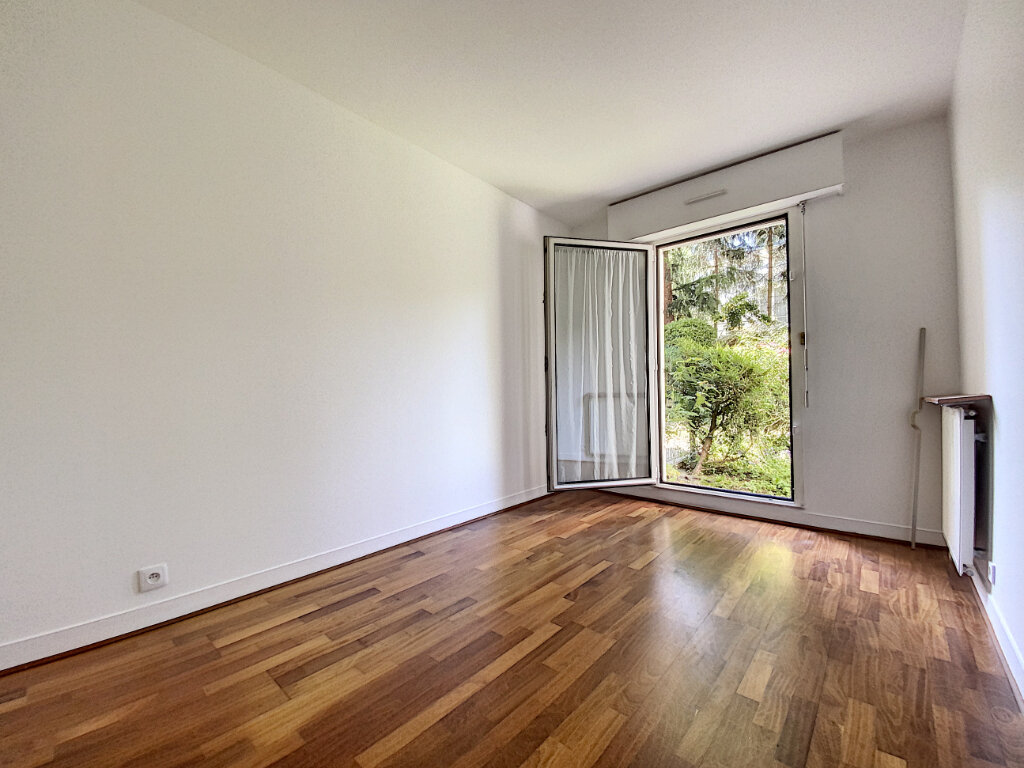 Appartement à louer 4 89.5m2 à Châtillon vignette-2