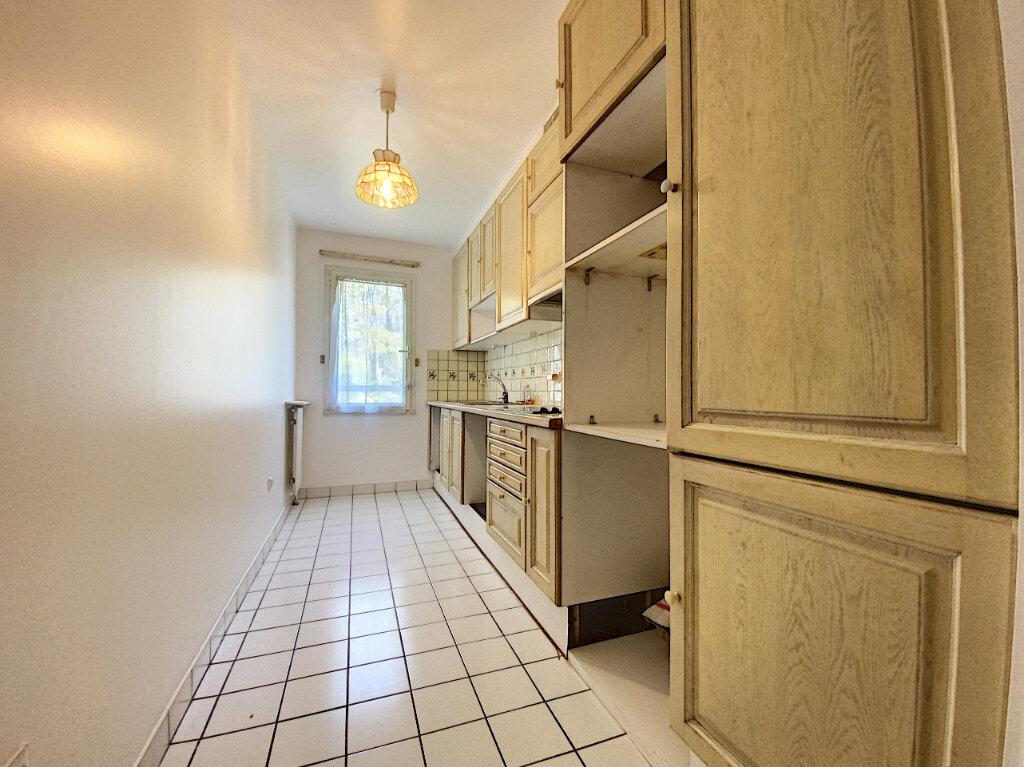Appartement à louer 4 89.5m2 à Châtillon vignette-6