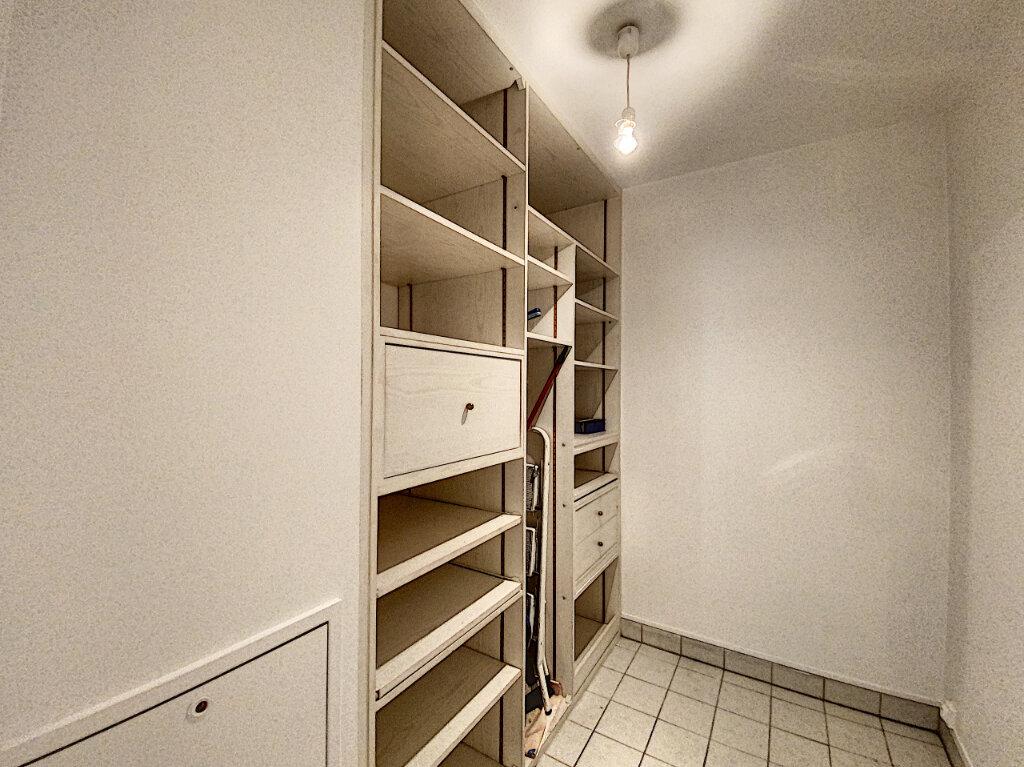 Appartement à louer 4 89.5m2 à Châtillon vignette-7